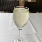 プリミ・バチ - スパークリングワイン サービス