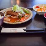 菊水ロマン館なごみ庵 - 料理写真:和風おろしハンバーグセット♪セットはごはん、豚汁、漬物付き!