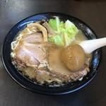 麺人佐藤 - 醤油らー麺(鶏白湯スープ)+味玉
