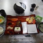 115503164 - 朝食