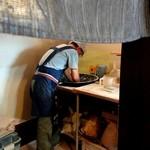115504925 - 以下店主の写真掲載許可頂いています。蕎麦をこねています。