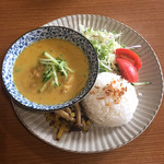 焼き鳥 まる - 昼まる by 潜水艦 ラクサ風ココナッツチキンカレー