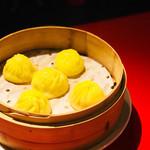 虎萬元 - 蟹味噌小籠包