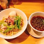 麺堂イズム - 料理写真:豚しゃぶ昆布つけ麺+味玉