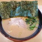 紫蔵 - らーめん(大盛¥800)