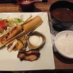 蔵人厨 ねのひ - 赤鶏の炭焼き膳(1,500円)