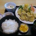 昇龍園 - 料理写真:豚肉の天婦羅 900円 + 定食セット 300円