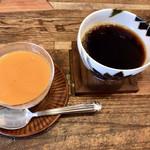カフェ スワロー - 紅茶のパンナコッタ&深みブレンド