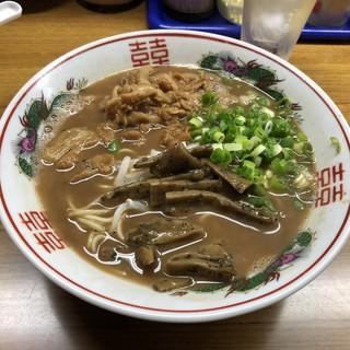 ラーメン東大 応神店 - いかにも徳島ラーメン。