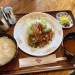 ジュノー - 料理写真:訪問日のタイムランチ。「スタミナ焼き」