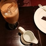 115545097 - アイスミルクティー&ガトーショコラ