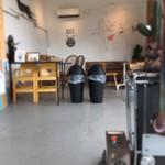 サムズアップ コーヒースタンド - 店内