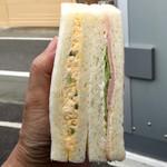 トロントベーカリー - 料理写真:ハム卵サンド165円