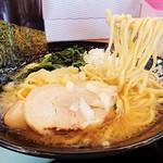 家系ラーメン 町田商店 - 硬め普通多め(麺味油)