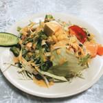 Biryani House - ランチのサラダ