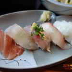 あゆや よねくら - お寿司 5貫