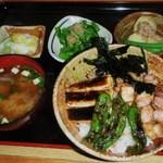 11556074 - 合鴨丼定食 800円
