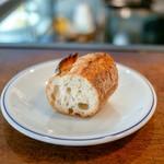 115561137 - ☆焼き立てのパン