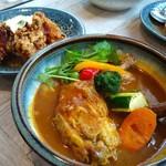 Rojiura Curry SAMURAI.  - チキンとザンギトッピング