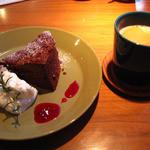 cafe tuoli - ガトーショコラとコーヒーのセット
