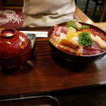 11557316 - 海鮮丼普通盛り