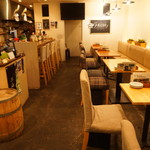 ARCH seaside cafe&bar - 内観写真:テーブル席は最大24名様のご利用がいただけます