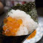 築地玉寿司 - いくら巻