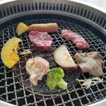 USHIABURI - どれも高級感のある美味しいお肉です