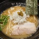麺屋 天孫降臨 - 天降らー麺 しょうゆ 730円