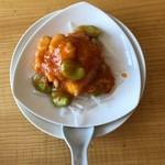 中国精進料理 凛林 - 花切りイカと空豆のチリソース