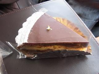 菓子工房 あん - くるみのタルト チョコとタルトのダブルパンチで、私には甘すぎかなぁ
