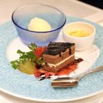 鉄板焼き ステーキ 湛山 - デザート盛り合わせ