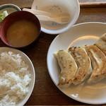 あおぞら銭函3丁め - ジャンボ餃子定食