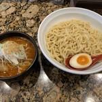 麺処 蓮海 - まぐろ豚骨辛つけ麺