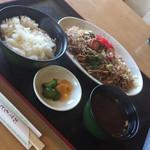 さち - 料理写真:焼そば定食