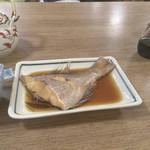 まるは食堂旅館 - 煮魚は鯛半身