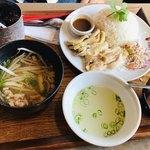 大阪カオマンガイカフェ - カオマンガイランチセット