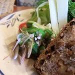 ル・シァレ - 茄子のタタキ?オクラとミョウガが和えてあります。