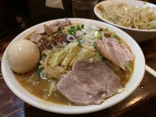 濃菜麺 井の庄 - 辛辛濃菜麺、大盛り、味玉、ネギネギ、濃いめ硬め、辛さ控え目