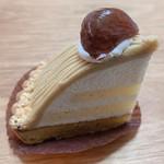 ラッキィズ カフェ - 箱根八里のモンブラン