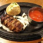 ロブロス バイ ヨッコーズ リコ テーブル - 炭火焼き手ごねハンバーグランチ(¥1,382税込)」ガーリックトマトソース