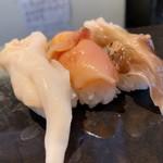 立ち食い弁慶 - 料理写真:貝三貫