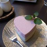 カフェ エチカ - いちごとホワイトチョコのバレンタインムース