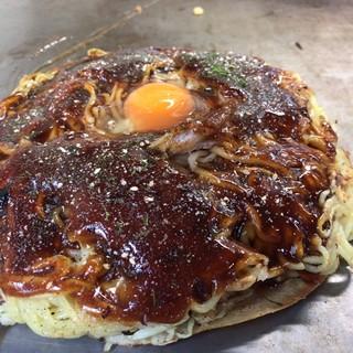お好み焼 SETO - 料理写真:肉玉 + イカ天 [麺ダブル]