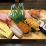 美代寿司 - 特上寿司。ガリまでたっぷり