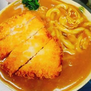 大迫力!麺1Kgの極太麺の復刻カツカレーうどん