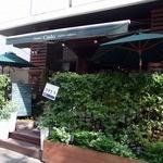 トラットリア チェーロ - このお店、もう1つ隣にお店があるんですよ。