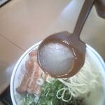 115654374 - 櫻島ラーメン スープ