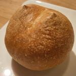 シャントレル - 自家製パン