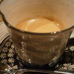 シャントレル - 洒落たカップで供されるあちきはエスプレッソ